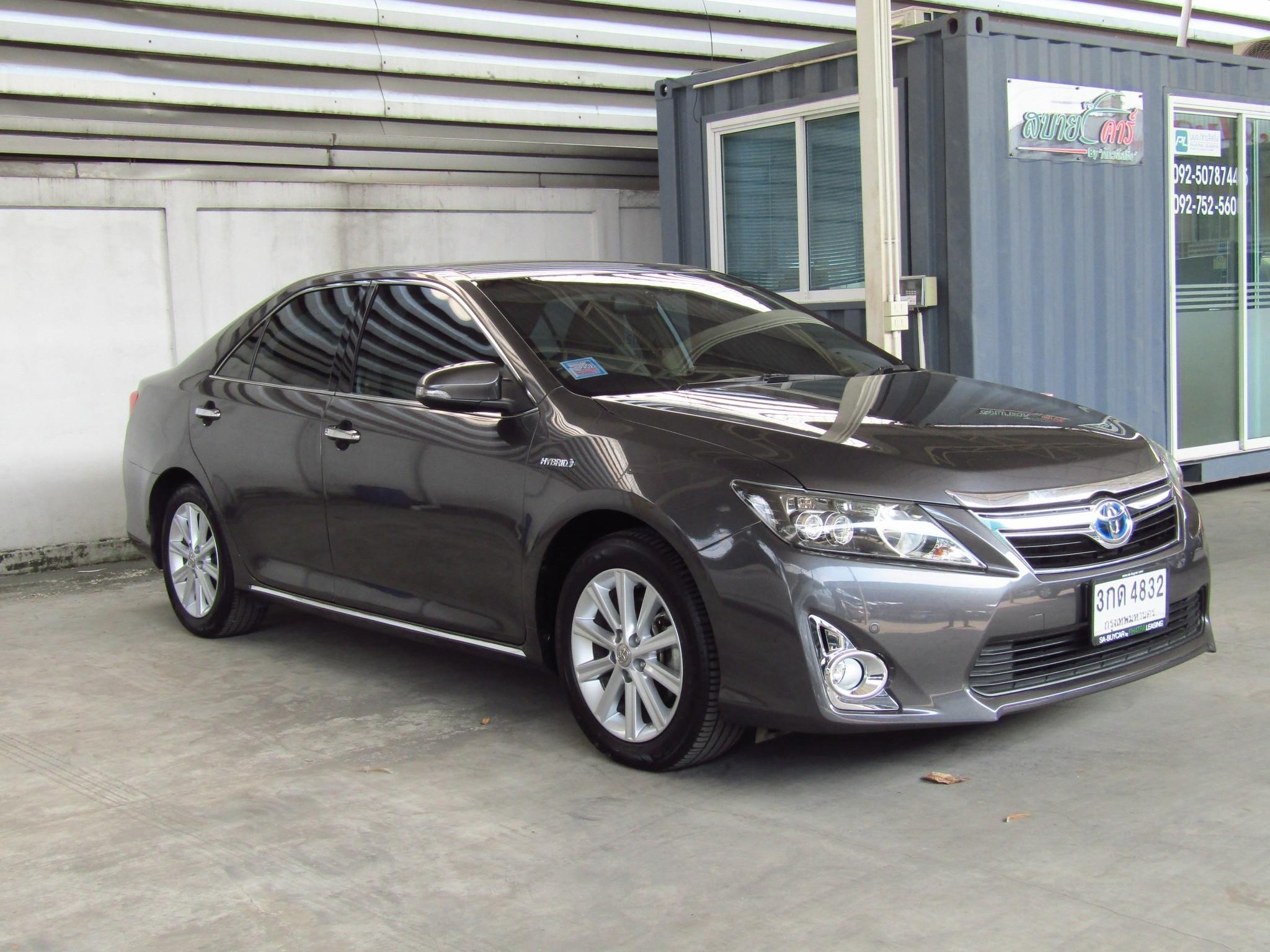 Toyota Camry 2.5 (119,xxx) Hybrid Sedan AT
