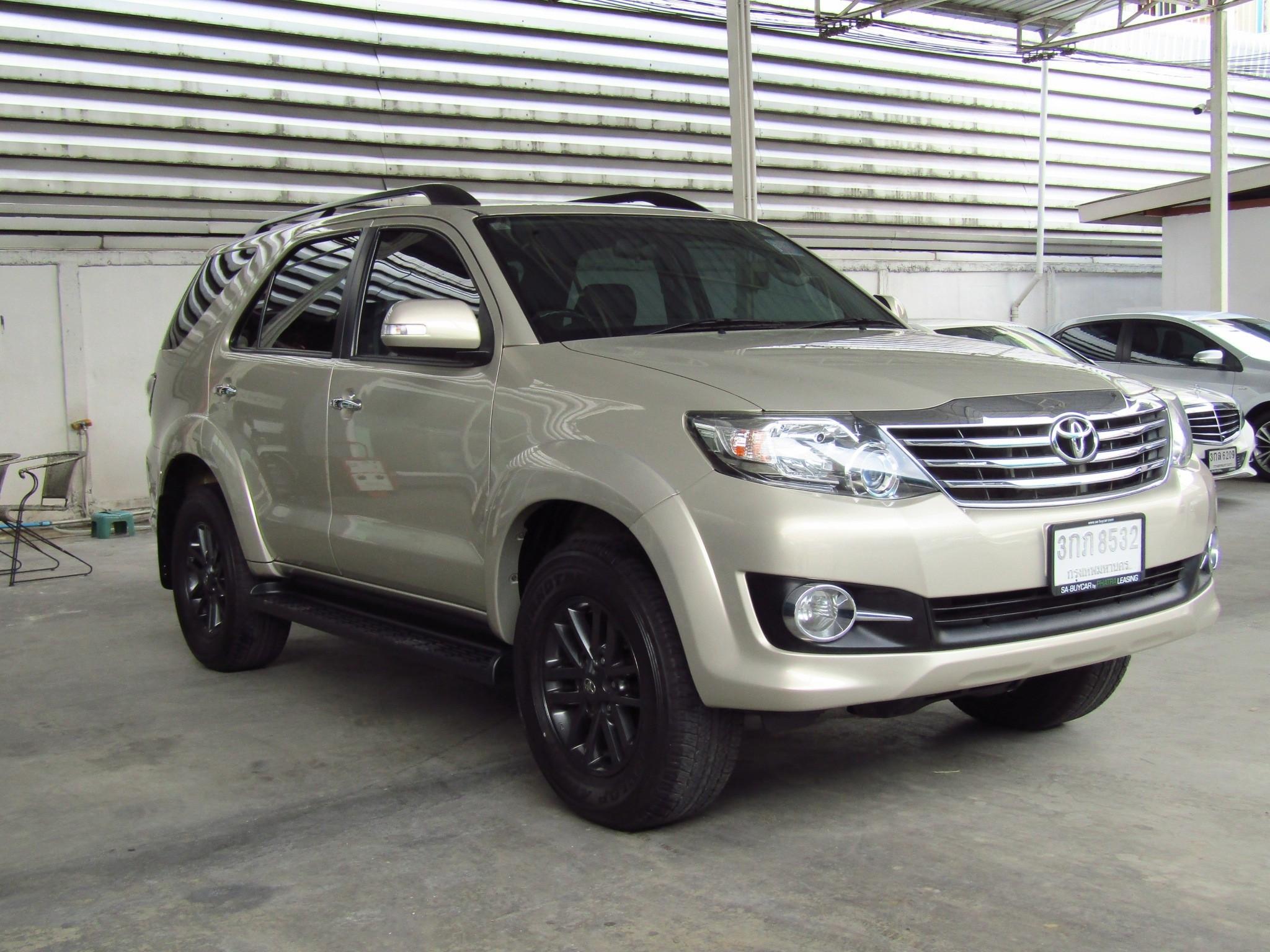 Toyota Fortuner 2.7 (82,xxx) V SUV AT