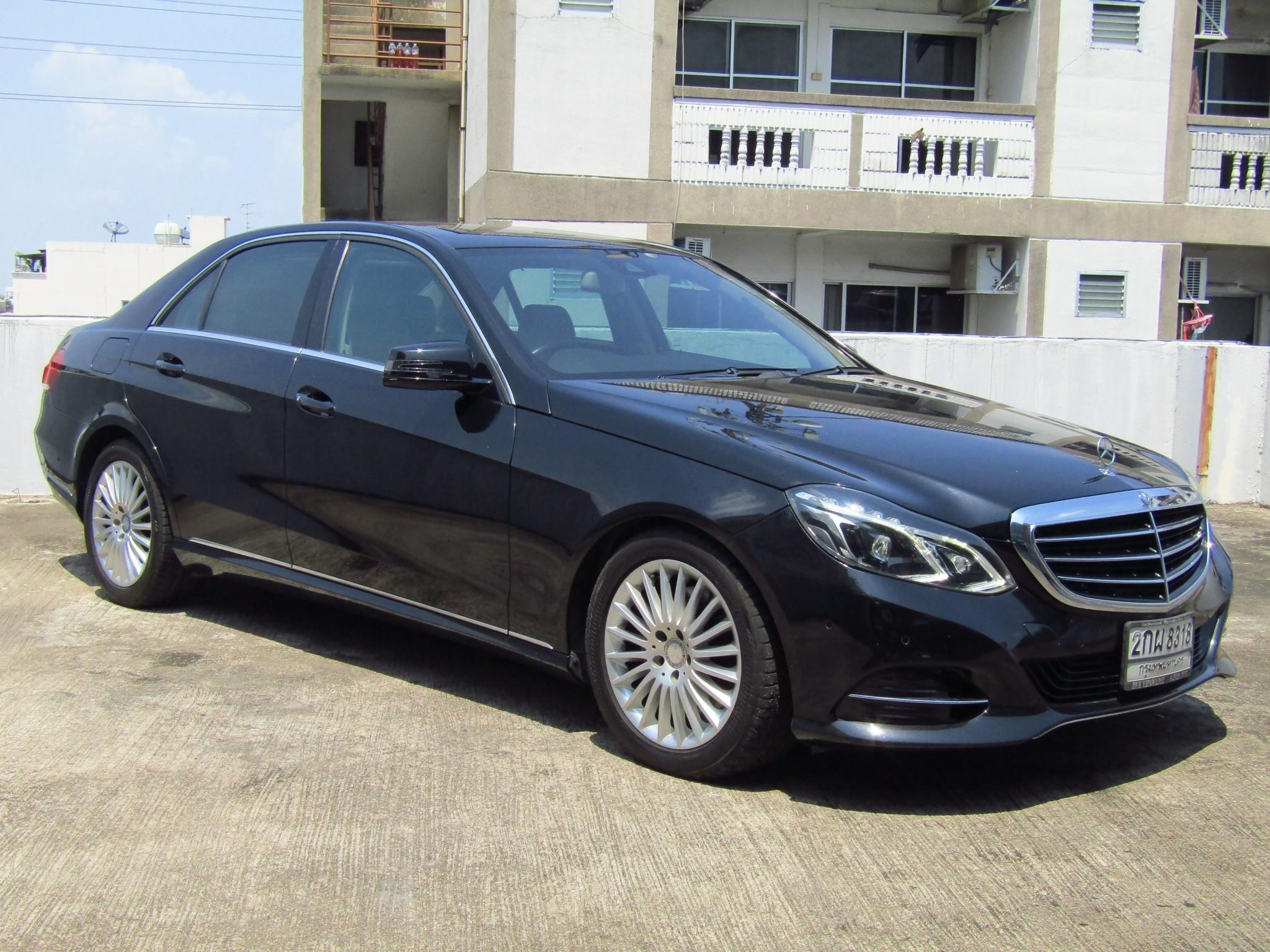 Mercedes-Benz (105,xxx) E300  BlueTEC HYBRID EXECUTIVE FACELIFT (ผ่อน 19,000 บาท / 60 งวด)