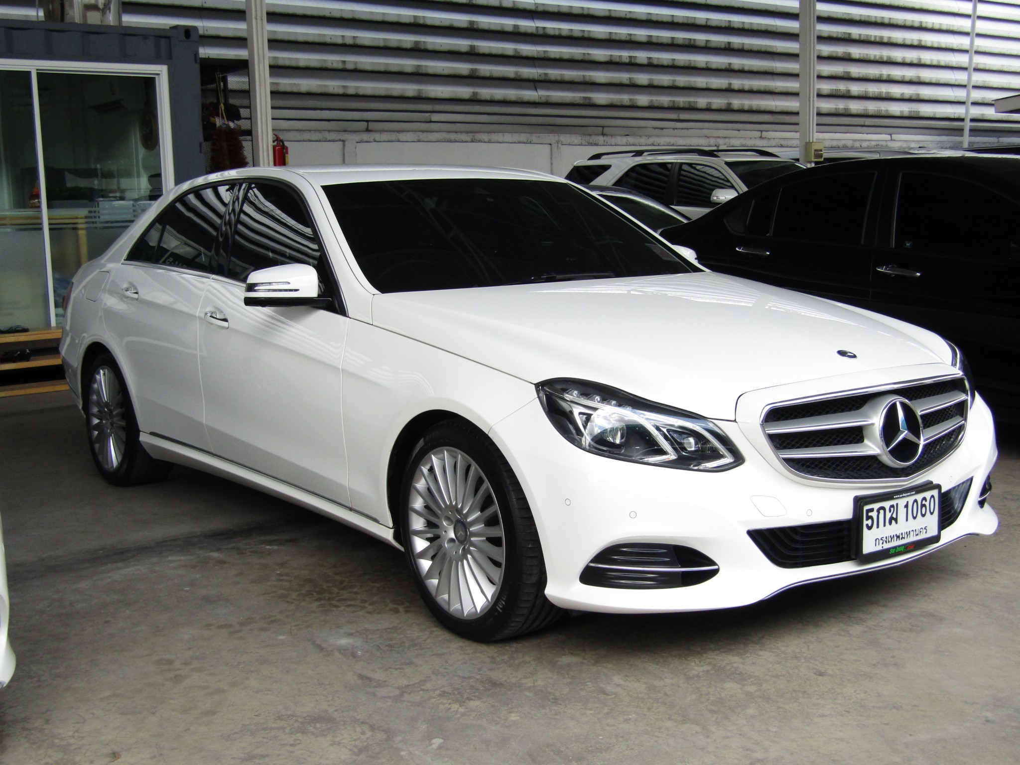 Mercedes-Benz (60,xxx) E300  BlueTEC HYBRID EXECUTIVE FACELI