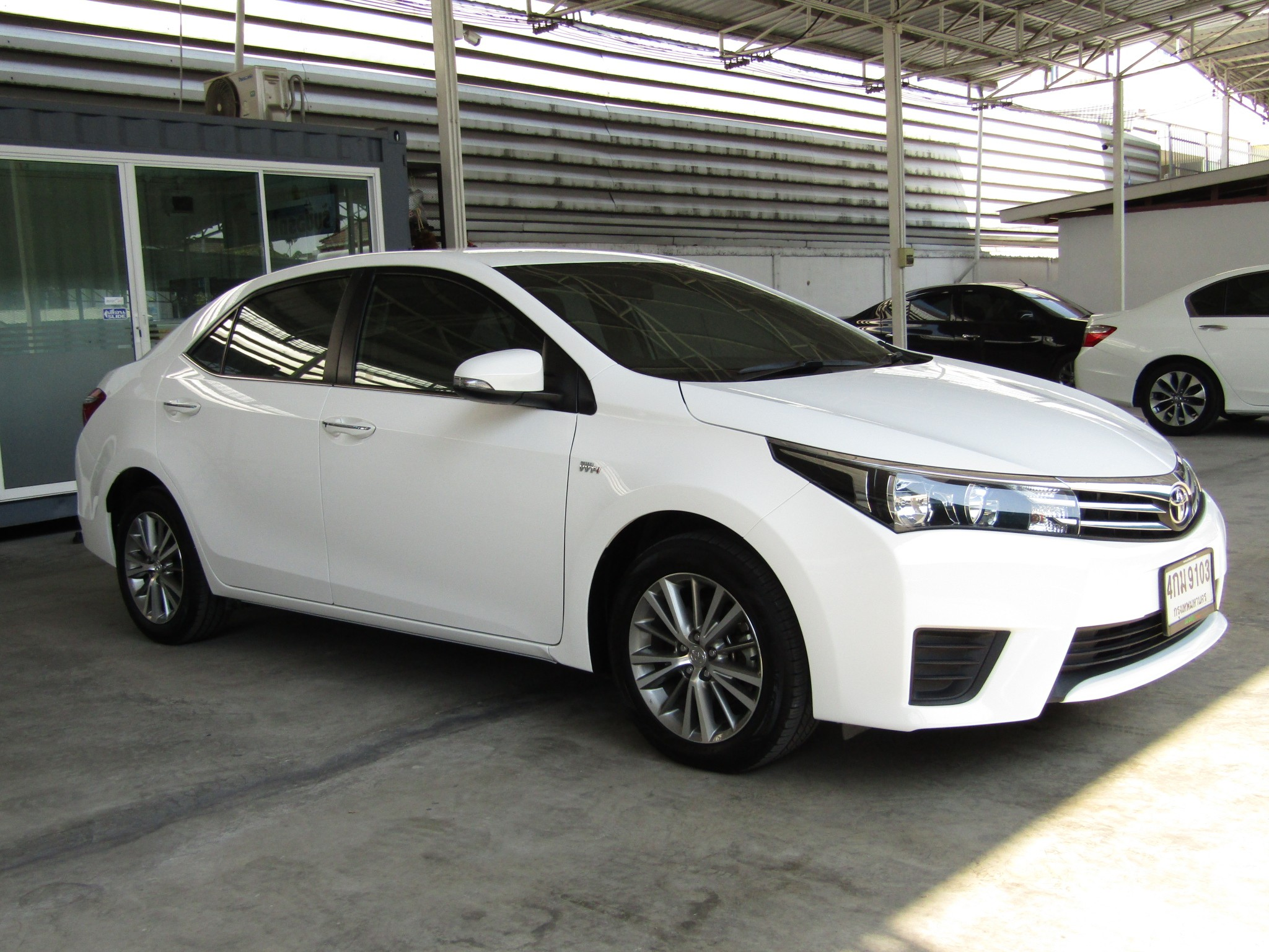 Toyota Corolla Altis  (66,xxx) G 1.6 AT Sedan