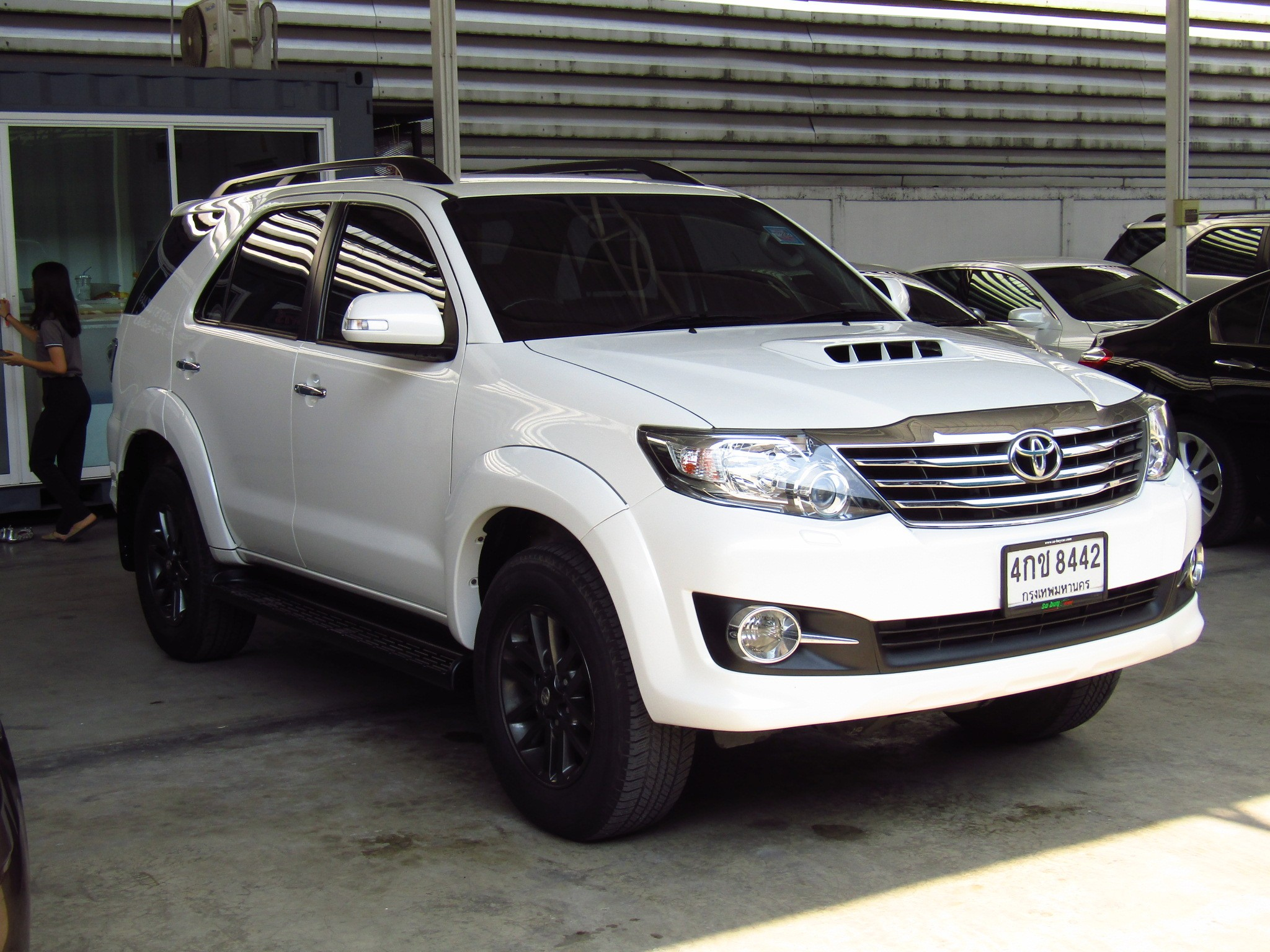 Toyota Fortuner (92,xxx) 3.0 V NAVI  4WD AT SUV