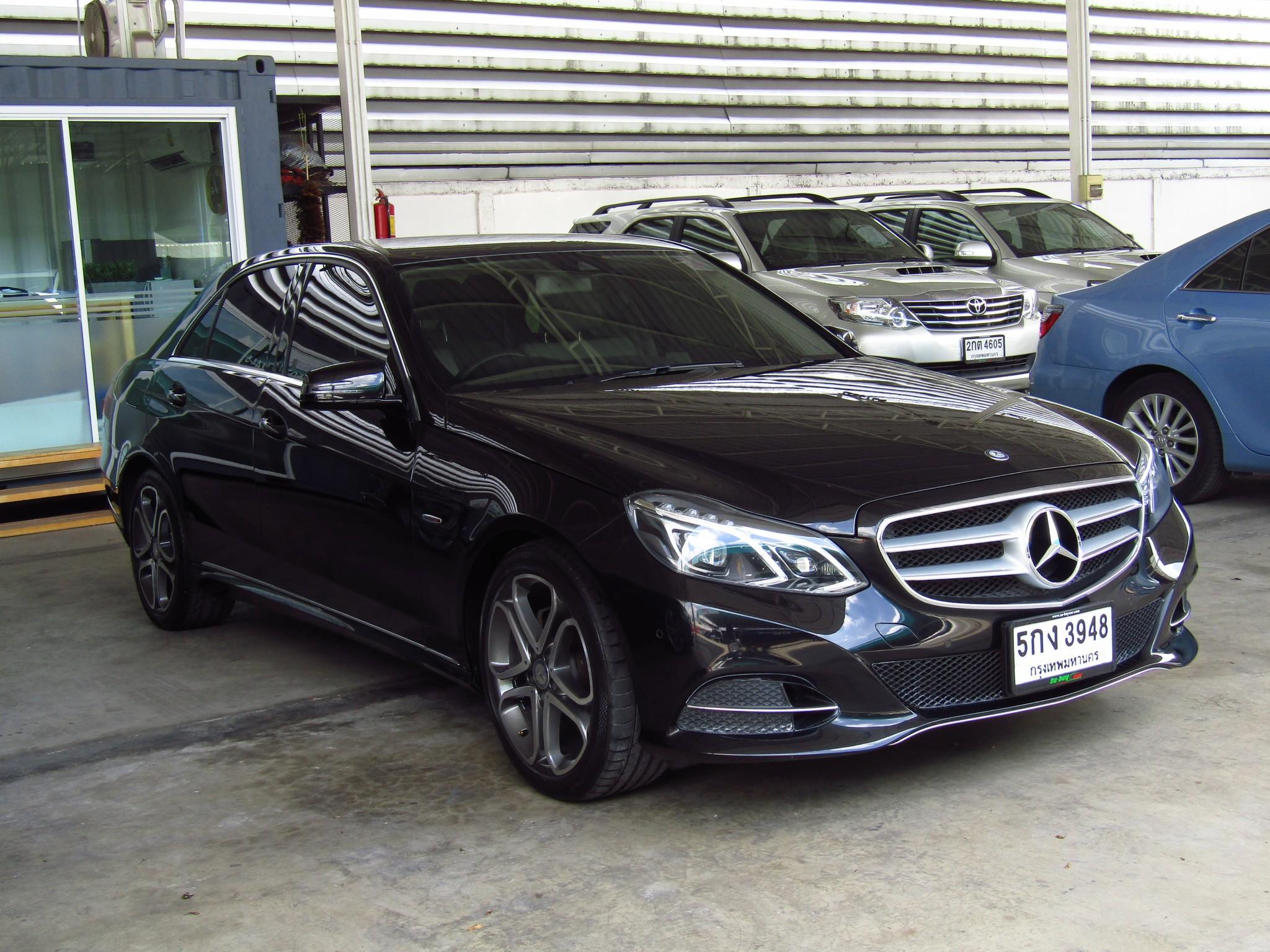 Mercedes-Benz (59,xxx) E200  Edition E (CKD) AT Sedan
