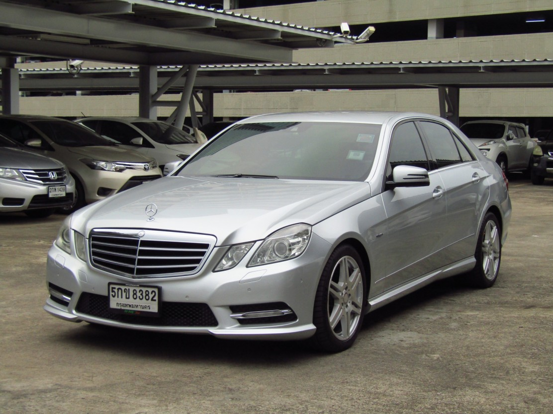 MERCEDES BENZ E250 (155,xxx) CGI BlueEFFICIENCY AVANTGARDE SPORT AMG