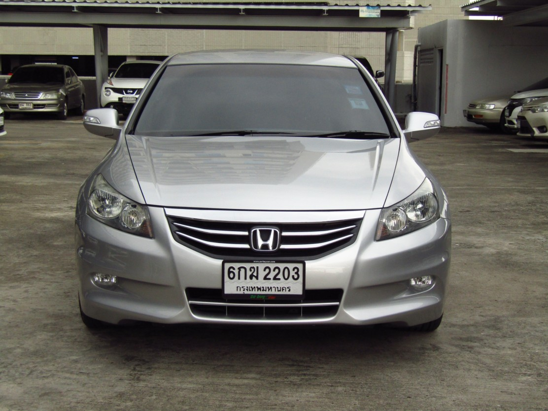 HONDA ACCORD (100,xxx) 2.4 EL AT Sedan