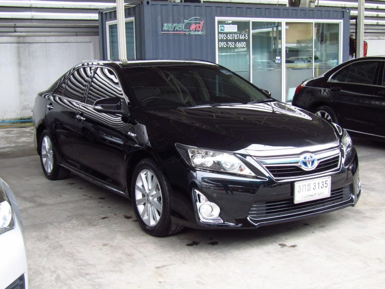 Toyota Camry 2.5 V (83,xxx)  DVD  Hybrid Sedan AT