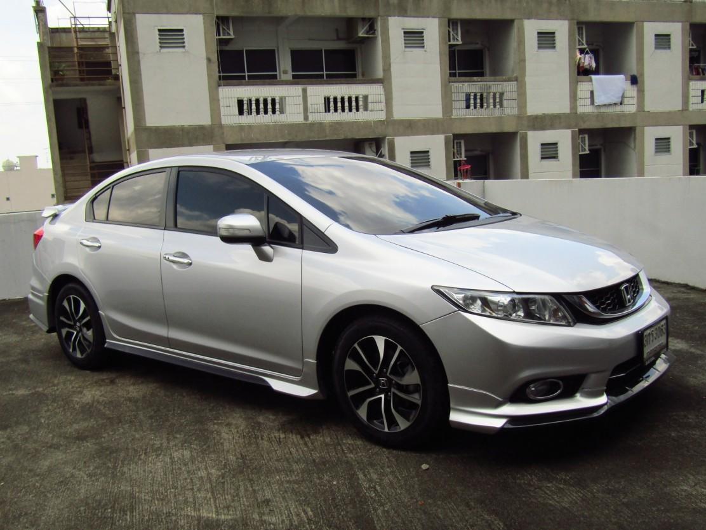 Honda Civic 1.8 (60,xxx) ES Sedan AT  (ผ่อน 11,788 บาท*48เดือน)
