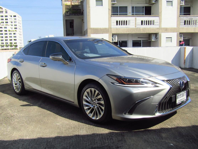 Lexus ES300h 2.5 (2,xxx) Premium Sedan AT