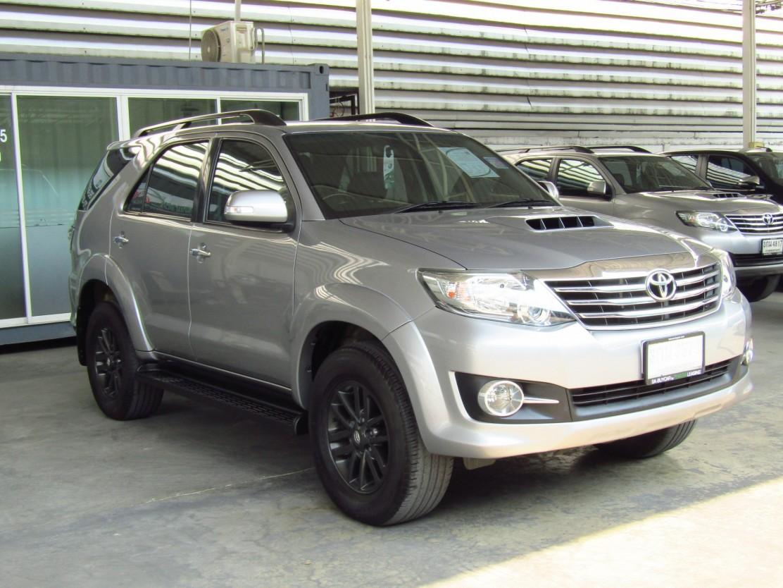Toyota Fortuner 3.0 (98,xxx) V SUV AT