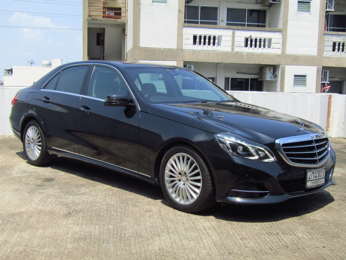 Mercedes-Benz (105,xxx) E300  BlueTEC HYBRID EXECUTIVE FACELIFT (ผ่อน 19,000 บาท / 60 งวด)