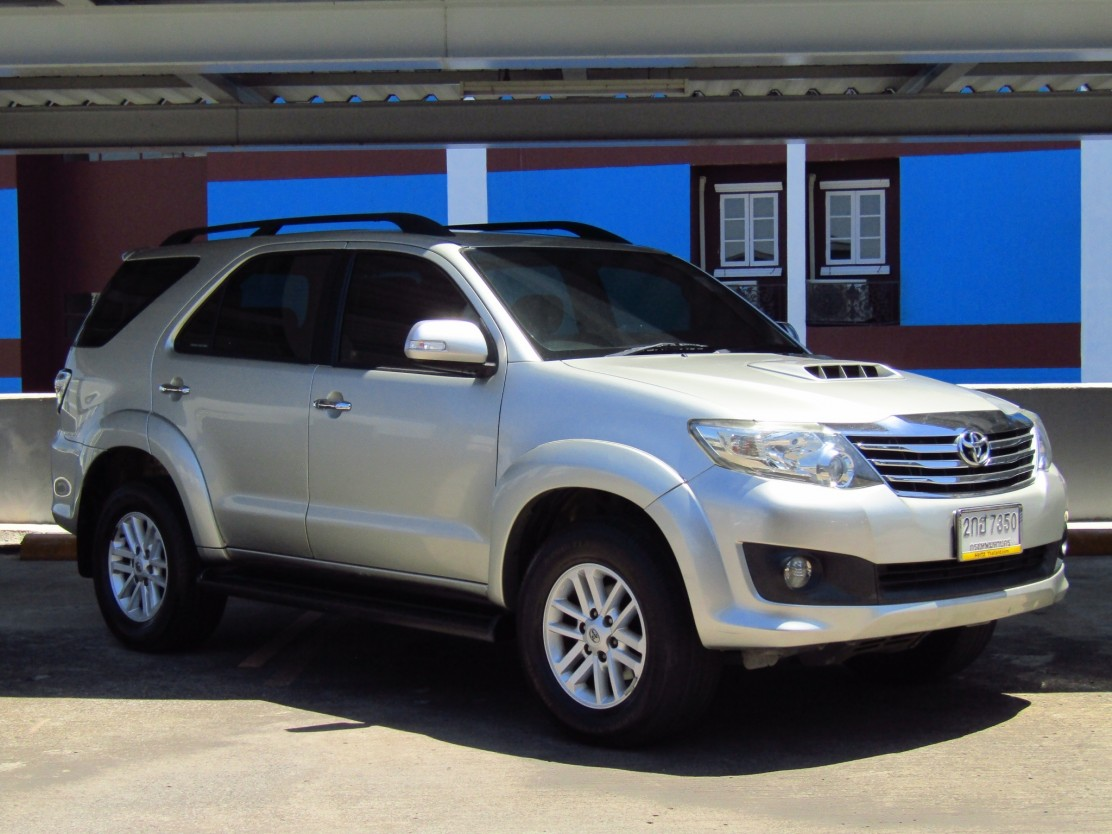 Toyota Fortuner (175,xxx) 3.0 V 2WD AT SUV