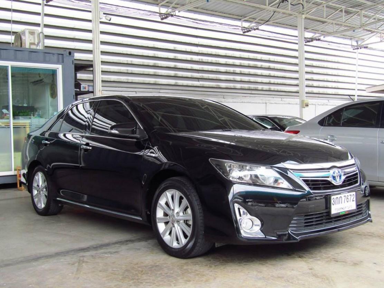 Toyota Camry 2.5 (67,xxx) Hybrid Sedan AT