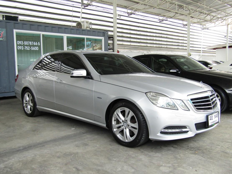 Mercedes-Benz E250 (82,xxx)  BlueEFFICIENCY 1.8 W212  Avantgarde Sedan AT