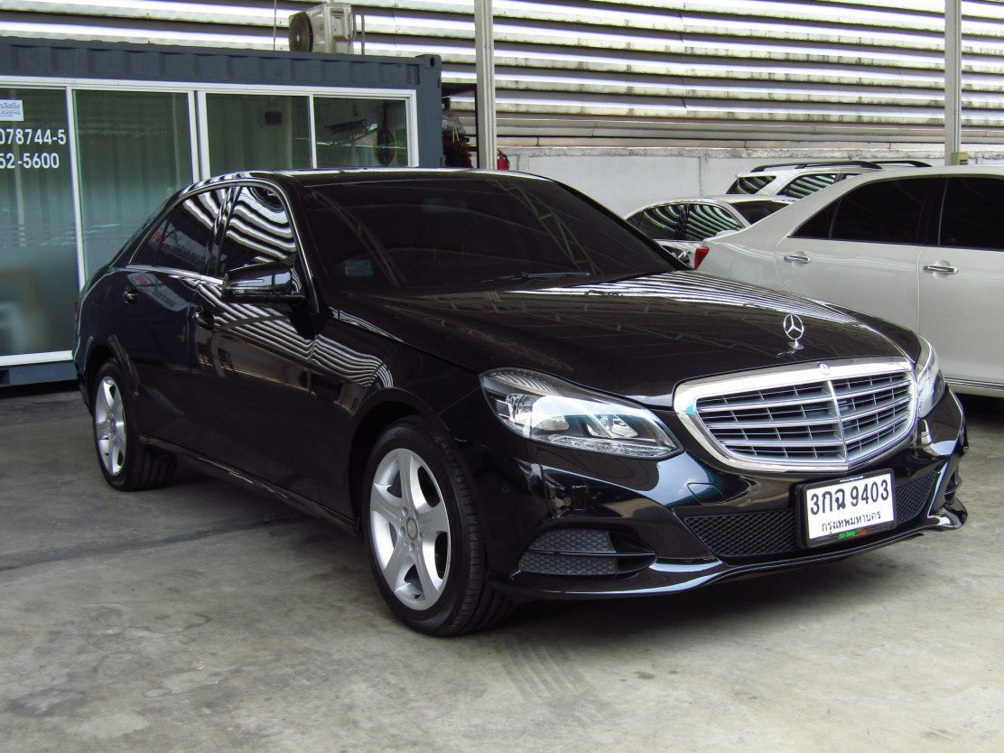 Mercedes-Benz (71,xxx) E200 CGI BlueEFFICIENCY ELEGANCE SPORT SALOON