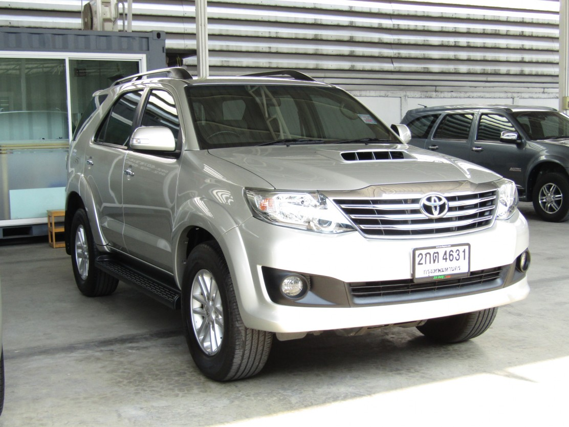 Toyota Fortuner (112,xxx) V 3.0 2WD AT SUV