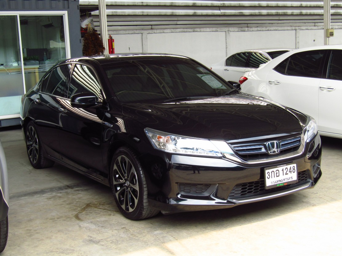 Honda Accord 2.0 (96,xxx) Hybrid TECH Sedan AT