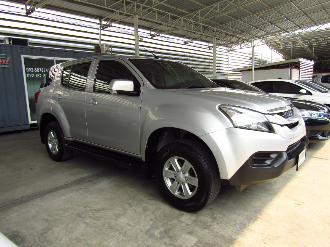 ISUZU MU-X 2.5 CD (83,XXX)  SUV AT