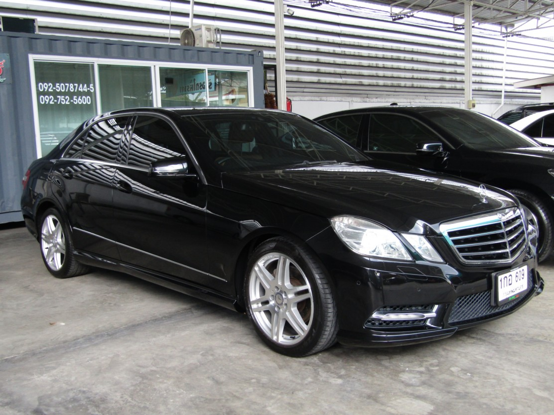 Mercedes-Benz E250 (108,xxx)  BlueEFFICIENCY Avantgarde SPORT AMG Sedan AT