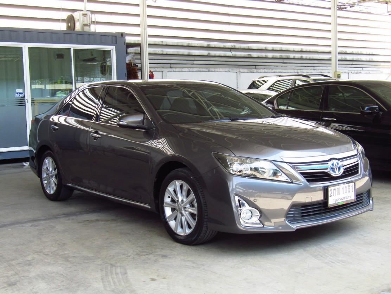 Toyota Camry 2.5 V (115,xxx)   Hybrid Sedan AT