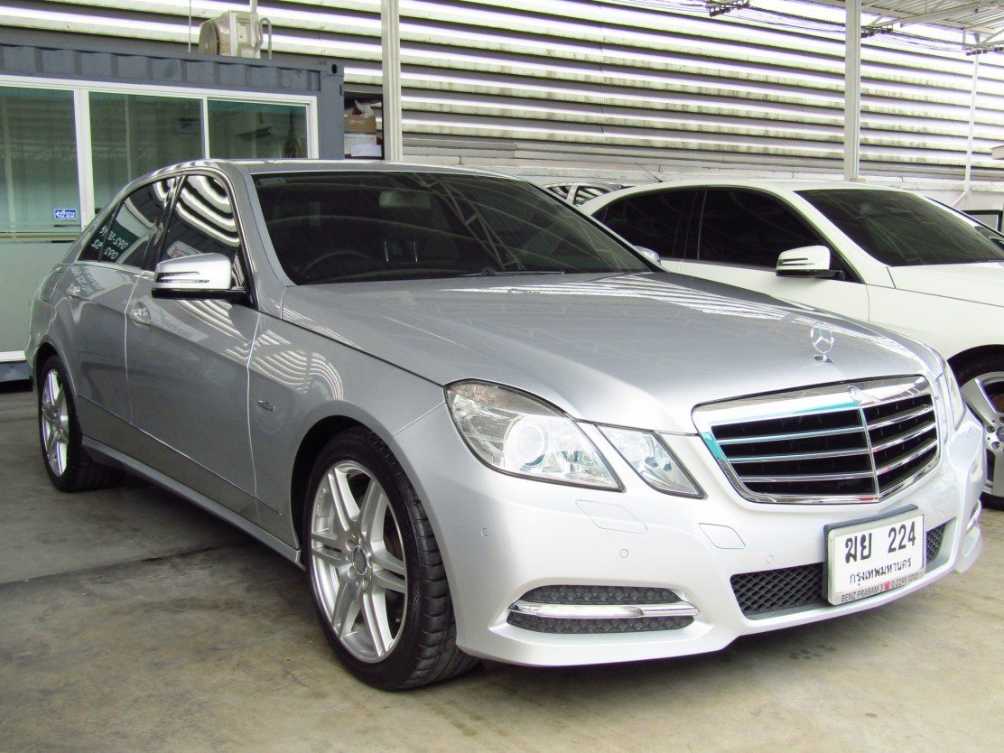 Mercedes-Benz (75,xxx) E250 CGI BlueEFFICIENCY  Avantgarde
