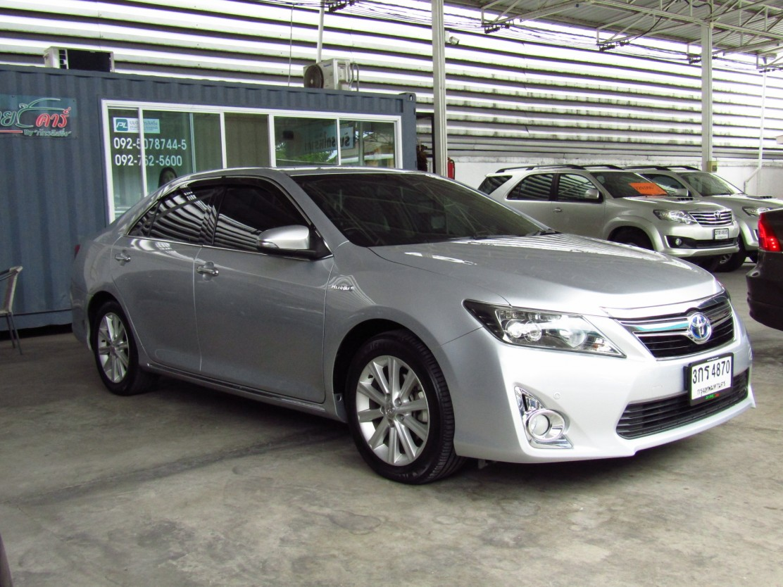 Toyota Camry 2.5 V (76,xxx)  (DVD+NAVIGATOR)  Hybrid Sedan AT