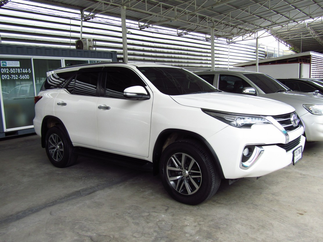 Toyota Fortuner  (113,xxx) V 2.8  AT SUV