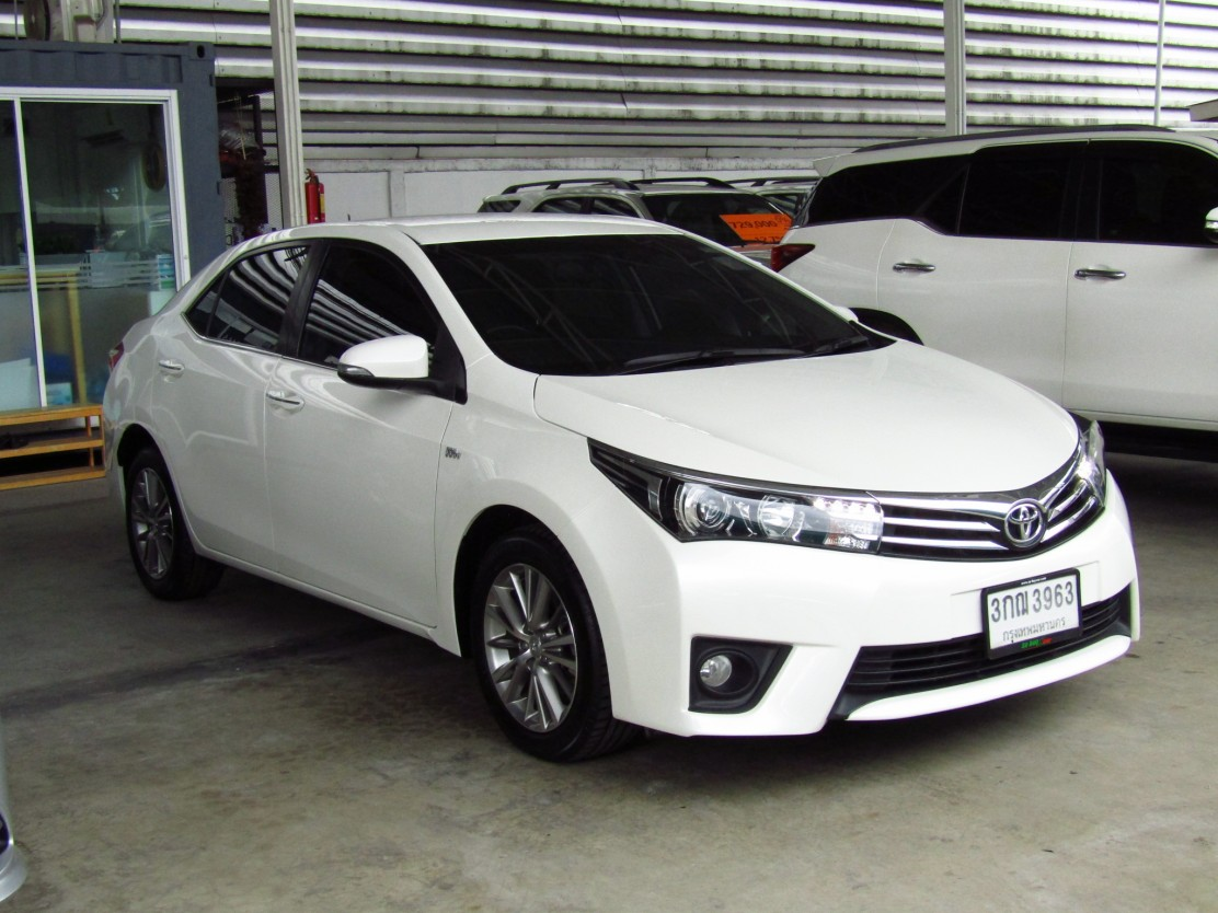 Toyota Corolla Altis  (106,xxx) V-A 1.8 NAVI AT Sedan